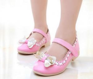 انواع کفش بچگانه